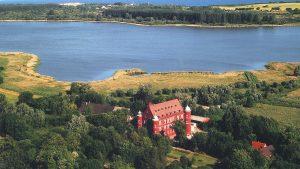 Hotel Schloss Spyker direkt am Jasmunder Bodden in Glowe auf der Insel Rügen