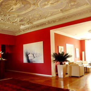 Rezeption vom Hotel Schloss Spyker am Jasmunder Bodden auf der Insel Rügen