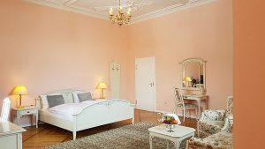 Übernachtung im Hochzeitszimmer vom Hotel Schloss Spyker auf der Insel Rügen